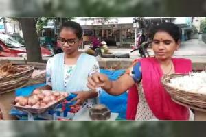 This medical student is selling vegetables in Hyderabad to make ends meet