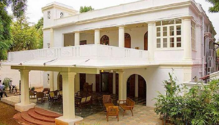 Luz House