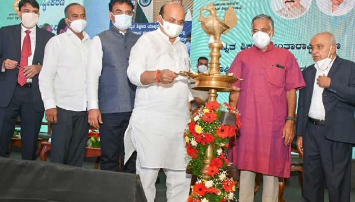 CM Bommai, Ministers BC Nagesh, Dr CN Ashwathanarayana and Dr Kasturi Rangan, other officials at launch ceremony